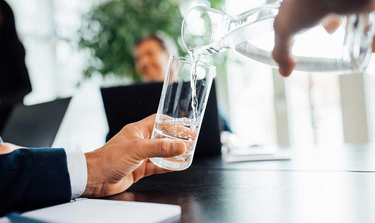 Hvordan forhindre smittespredning på jobb? · Waterlogic